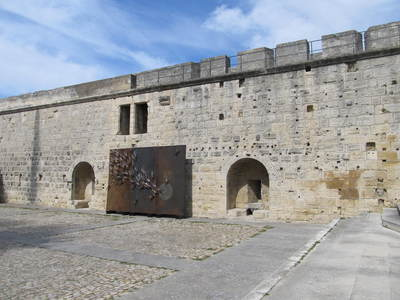 Aigues-Mortes Rempart.JPG