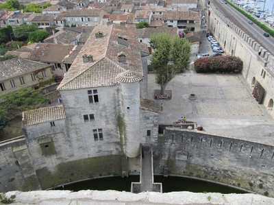 Aigues-Mortes Rempart (2).JPG